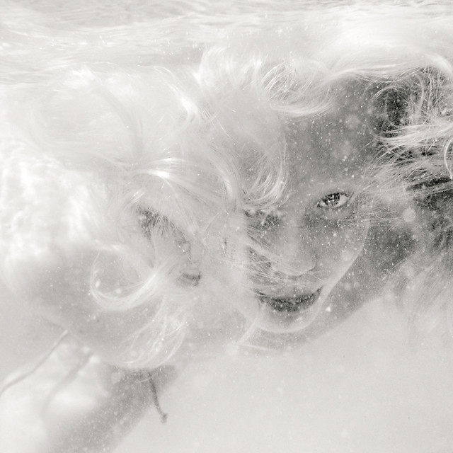 4875619996 50197d65d5 z Shooting Portraits Underwater Can Create Beautiful Results