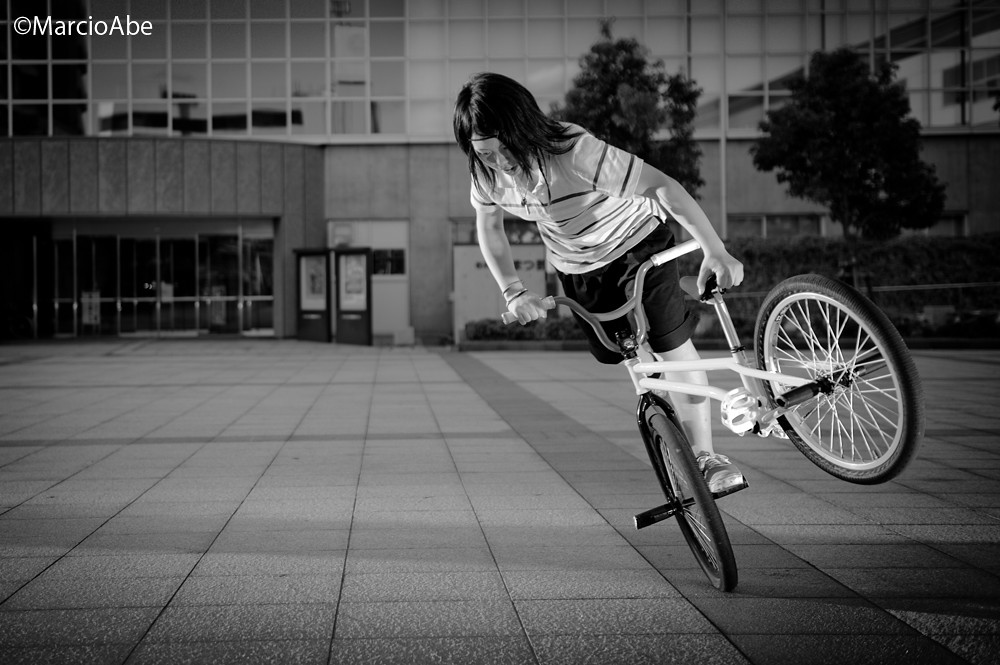 Girl BMX   foto por Fernanda Fronzi   Dee   Flickr