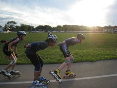 skating, roller sport, inline skating, footwear, sports, recreation, extreme sport, roller skates, inline speed skating, roller skating,