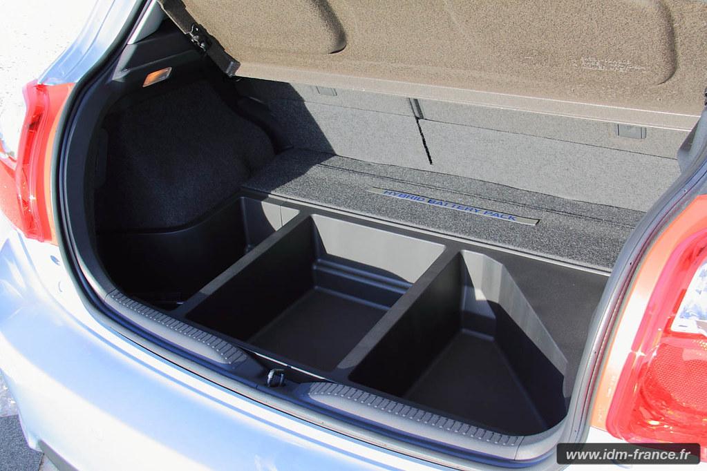 auris hybride toyota acc l re essai toyota auris hsd hybride pour notre bien www. Black Bedroom Furniture Sets. Home Design Ideas
