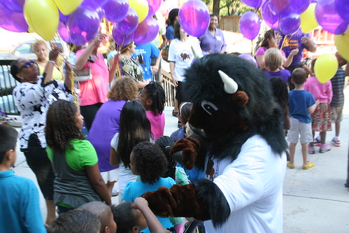 Buddy Bison greeting students at Elsie Stokes' 1st Day of School Celebration