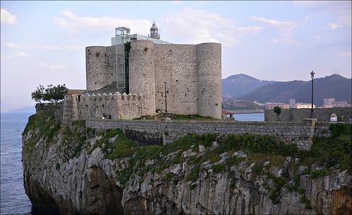 Castillo y faro de Castro Urdiales