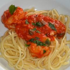 linguine(0.0), produce(0.0), spaghetti alla puttanesca(1.0), tomato sauce(1.0), bucatini(1.0), spaghetti(1.0), pasta(1.0), spaghetti aglio e olio(1.0), pasta pomodoro(1.0), naporitan(1.0), pici(1.0), food(1.0), dish(1.0), capellini(1.0), carbonara(1.0), cuisine(1.0),