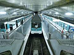 2005 Metro_12-85_Porte_de_la_Chapelle_2005_03