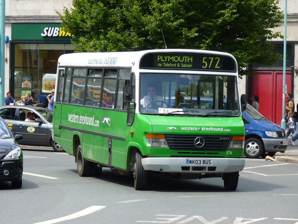 Western Greyhound 576 WK03BUS