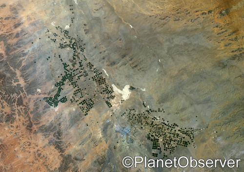 Agriculture in the desert, city of Tabuk in 2001, Saudi Arabia - Satellite image - PlanetObserver
