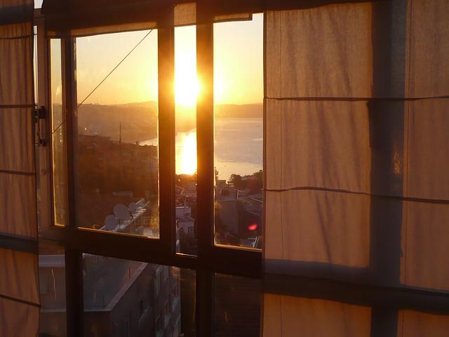 Başkurt Sokak 71, Cihangir, Istanbul by flickr user geografiasdemiplaneta