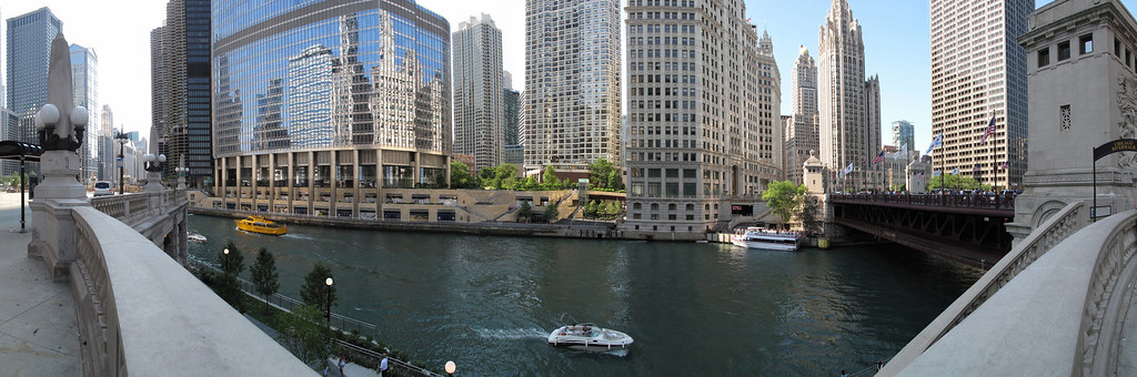 Chicago_River-1-Flkr