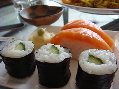 meal(1.0), california roll(1.0), sushi(1.0), gimbap(1.0), food(1.0), dish(1.0), cuisine(1.0),