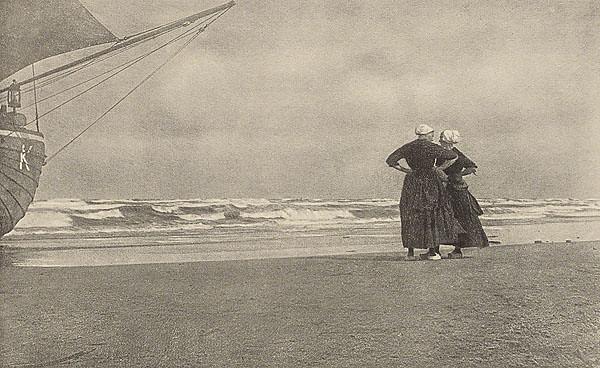 Gossip, Katwyk Beach, by Alfred Stieglitz 1894