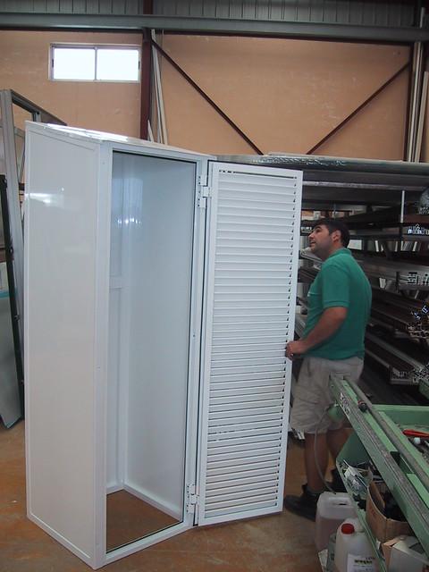 Armario de aluminio armario de aluminio o caseta para ext flickr photo sharing - Armario para caldera exterior ...