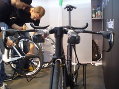 bicycle mechanic, road bicycle, vehicle, room, sports equipment, indoor cycling, cycling, bicycle,