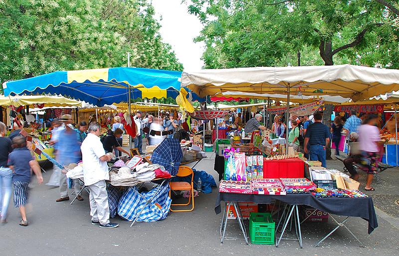 Boulevard Richard Lenoir Market