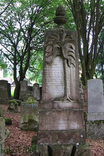 jüdischer Grabstein mit Palme