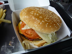 sandwich, meal, lunch, junk food, hamburger, bã¡nh mã¬, veggie burger, french fries, food, whopper, dish, big mac, fast food, cheeseburger,