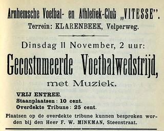 Gekostumeerde voetbalwedstrijd op Klarenbeek