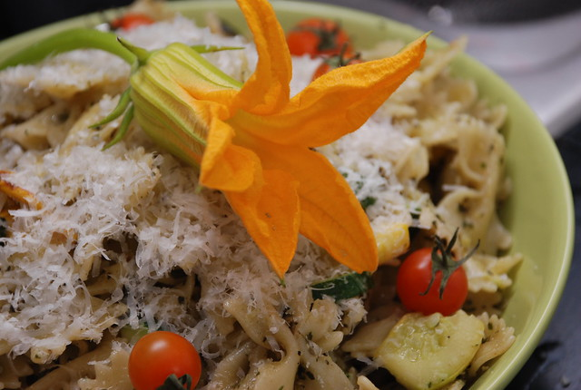 pesto pasta with tomatoes and squash | Flickr - Photo Sharing!