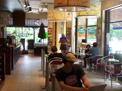 Inside the VeloQuebec cafe