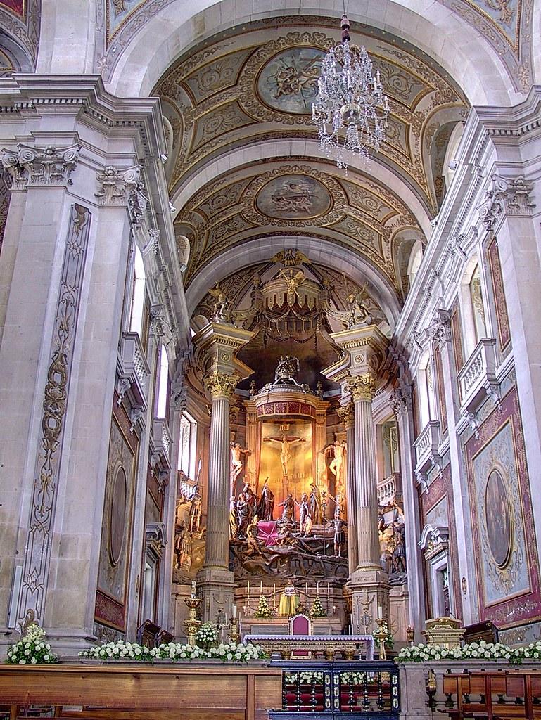 Main_altar_in_Bom_Jesus_do_Monte_Church