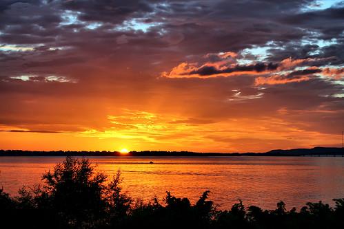 sunset sea sky norway clouds boat fjord rays ålesund aalesund norwegiansea larigan valderøyfjord phamilton