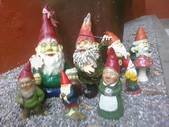 carving(0.0), christmas decoration(0.0), monument(0.0), decor(1.0), garden gnome(1.0), lawn ornament(1.0), figurine(1.0), christmas(1.0), statue(1.0),