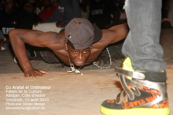 Concert de DJ Arafat au Palais de la Culture, Abidjan, Côte d'Ivoire, 13.08.2010 (4003)