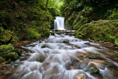 Bezienswaardigheden Zwarte Woud Top 10 nummer 7 Schwarzwald Hochstrasse waterval onderweg