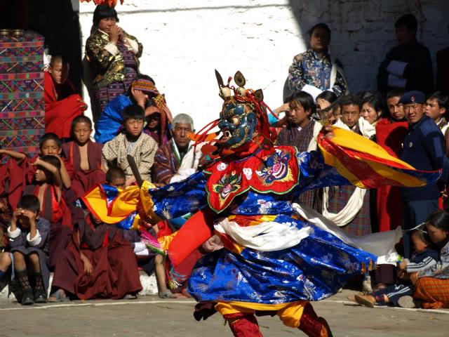 Lhuentse Festival - Dancers