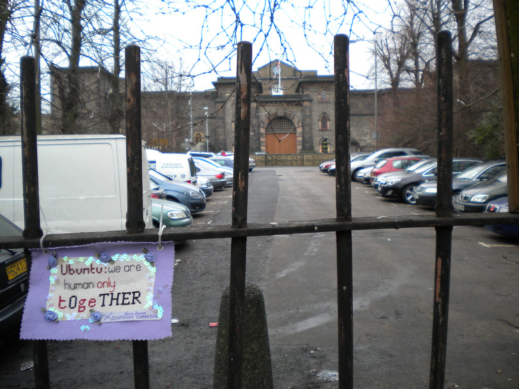 Ubuntu Mini Protest Banner outside Wandsworth Prison