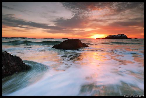 ocean beach sunrise rocks waves massachusetts nikond50 manchesterma singingbeach justinsmith nikon1735mmf28