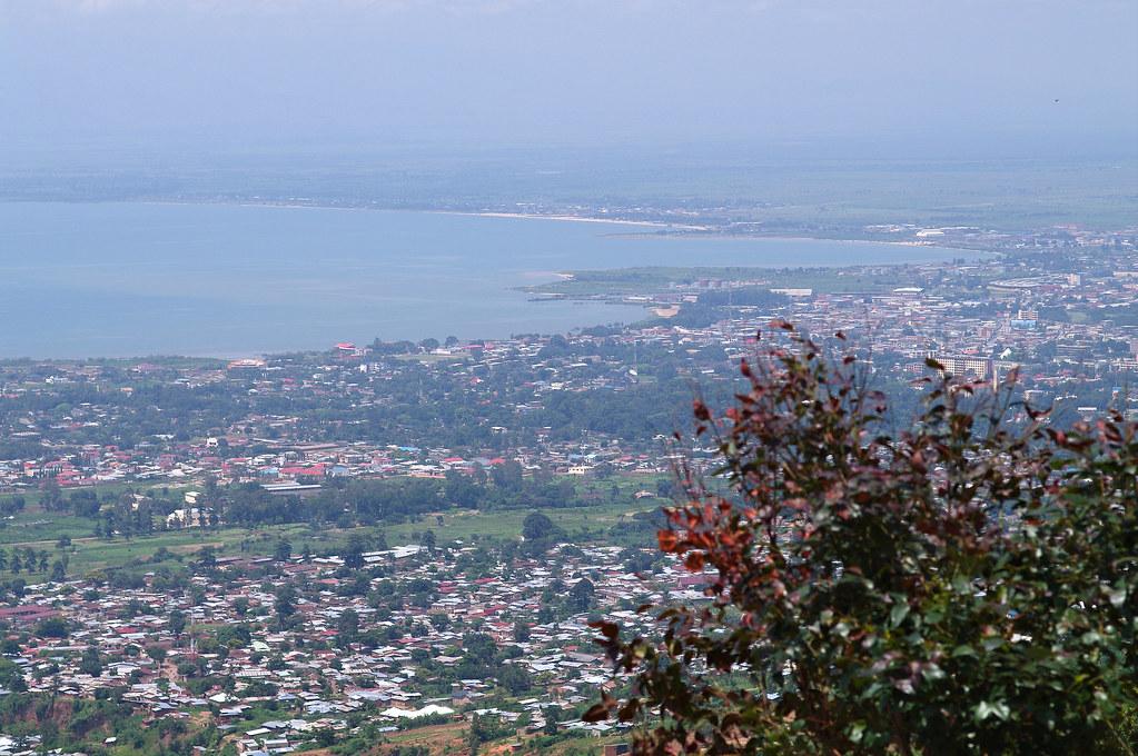 Category:People of Bujumbura - Wikimedia Commons