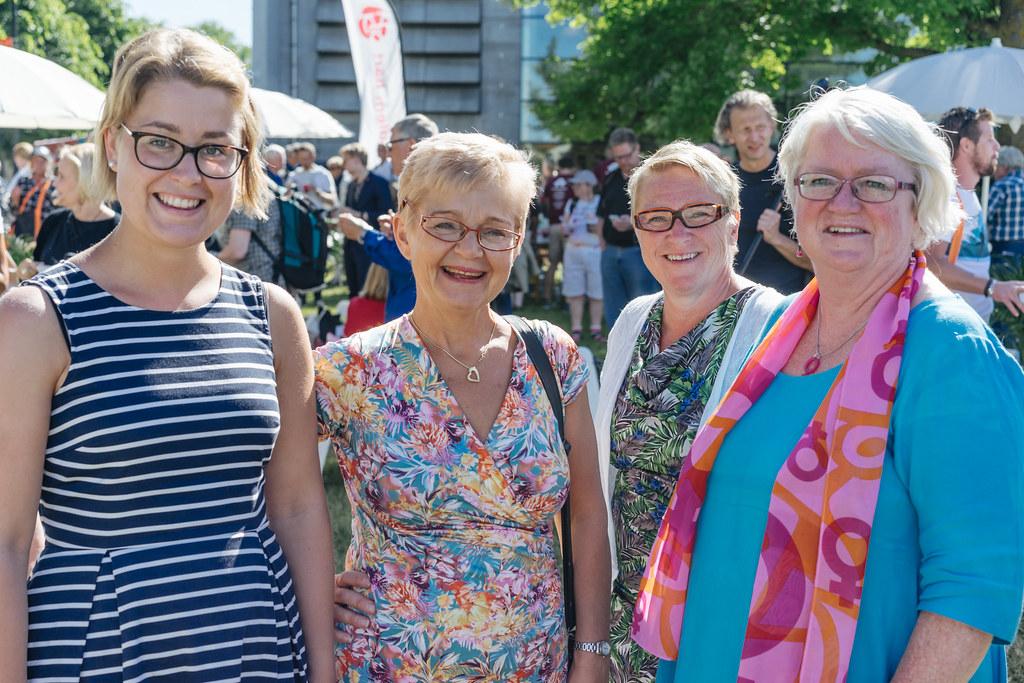 Socialdemokraternas dag – Korvgrillning, medborgarmöten och intervjuer – Almedalen 2017