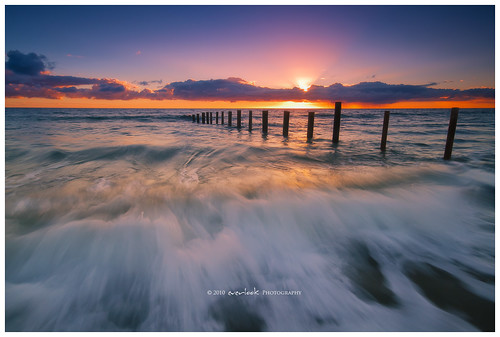 ocean sunset sea cloud sun seascape beach water st canon landscape waves gulf vincent 7d adelaide barrier rays poles sands peninsula southaustralia 1020 moana waterscape fleurieu everlook