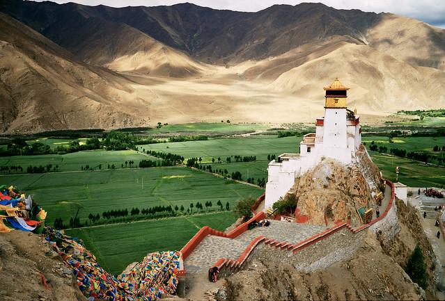 Yumbulhakang, Tibet's First King's Castle