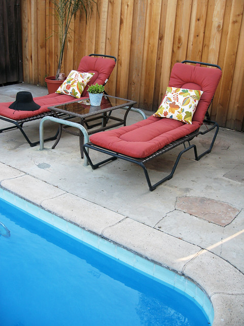 backyard poolside lounge chairs