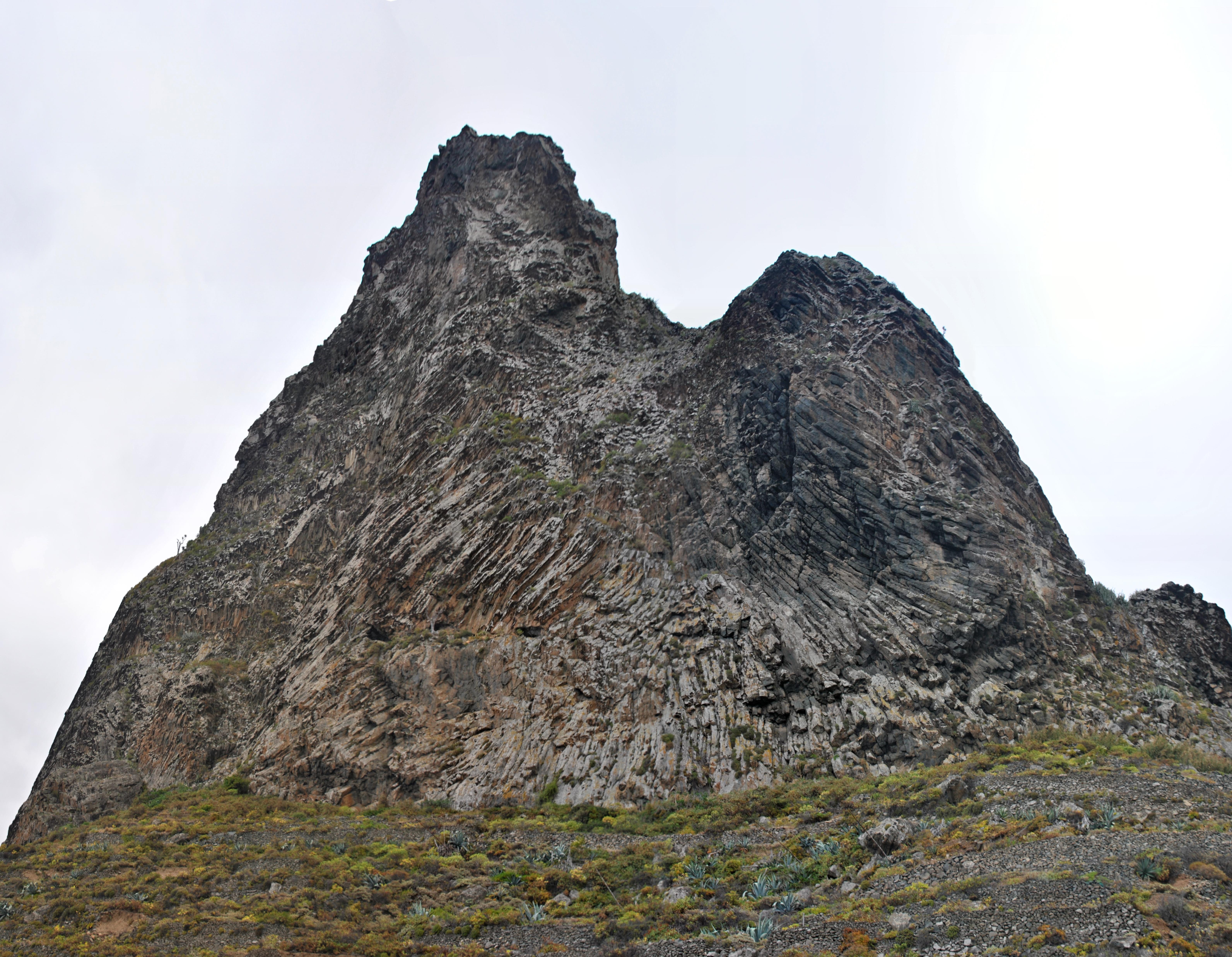 Curiosa formaci n de la roca clemkey for Formacion de la roca