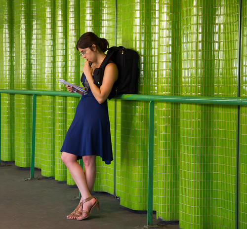 FR Society 07: Woman in Green and Blue