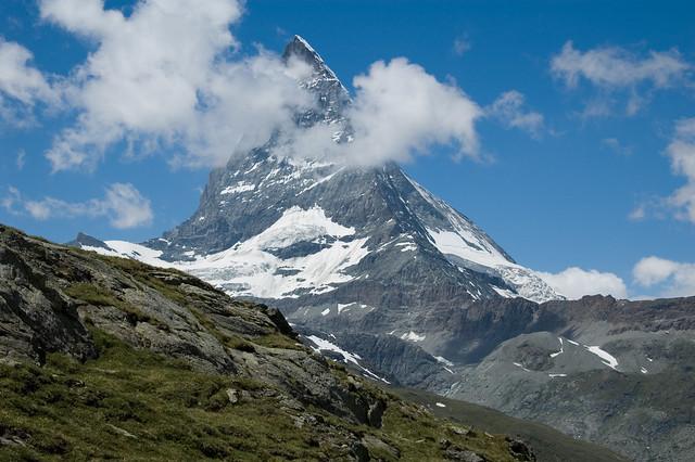 Monte Matterhorn ( Monte Cervino ), los Alpes, Suiza-Italia