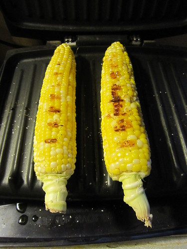 Grilling Corn with George Foreman (03)
