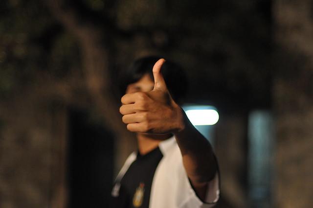 Photo:Thums Up! By:fakepunju