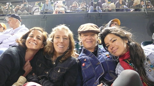 Mixte Gals at Giants Game
