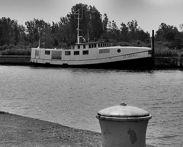 Lake erie fishing tug flickr photo sharing for Lake erie fishing