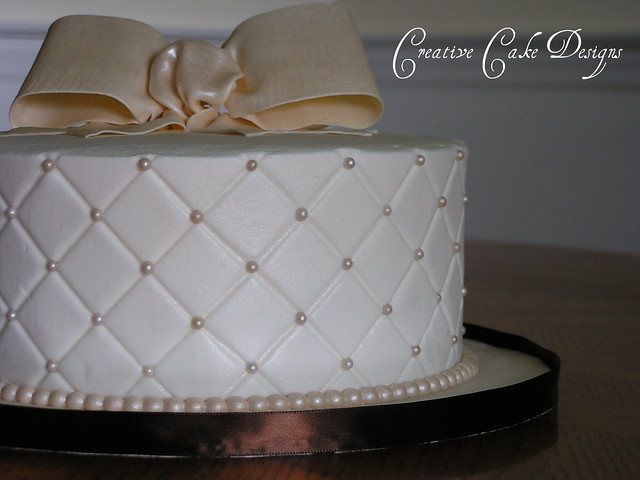 Quilting Cake Designs : Butter cream diamond quilted cake. Flickr - Photo Sharing!
