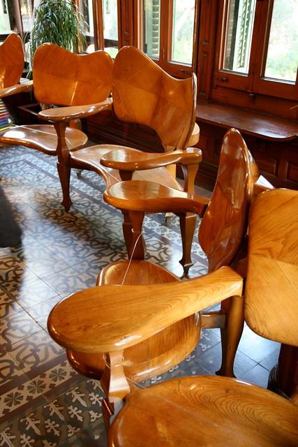 Espa a barcelona el carmel parque g ell casa museo de for Gaudi muebles