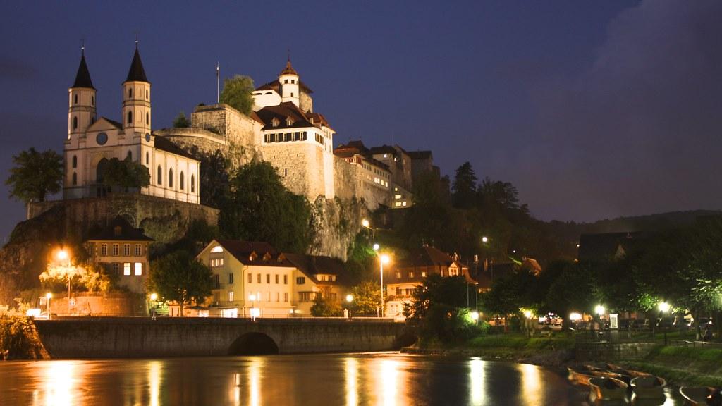 Festung Aarburg und Kirche
