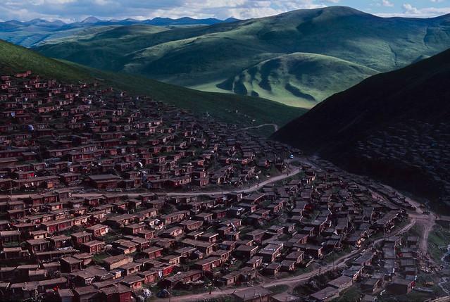 Larung Gar, Kham, Tibet, by Steve McCurry 2000