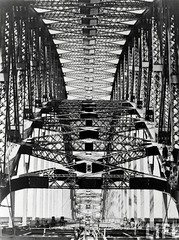 Sydney Harbour Bridge, Australia, by E.O. Hoppe c.1930-32 (during construction)