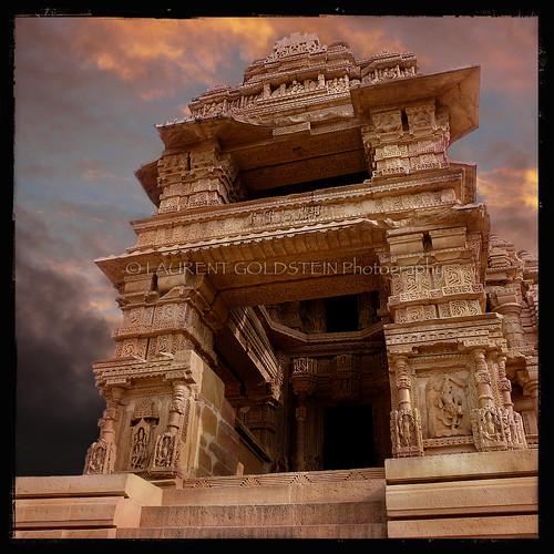 sunset sky sculpture india heritage statue architecture temple evening vishnu colours dream atmosphere hindu hinduism gwalior madhyapradesh भारत indiasong