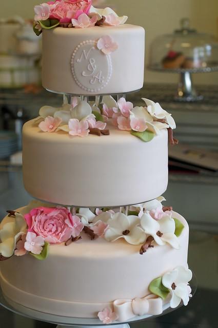 Seperate Tier Wedding Cakes