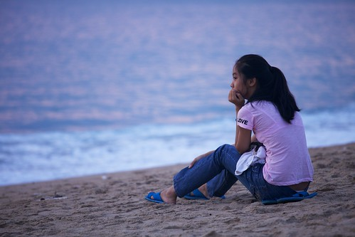pink sea beach girl sunrise outdoor vietnam goodmorning 海滩 nhatrang 日出 越南 ef70200mmf4lisusm 芽庄